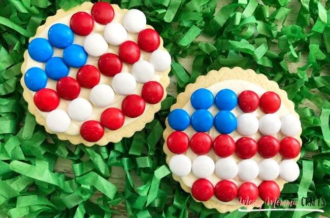 These 4th of July Flag Cookies will be the perfect addition to your holiday BBQ.