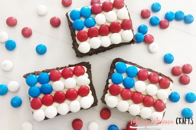 These 4th of July Brownies look like an American flag and only require a few ingredients.