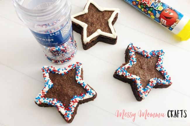 These Patriotic Brownies are the perfect easy to pack 4th of July treat for a busy day out and about.